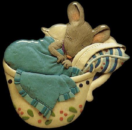 Анимация Спящая в кружке мышка