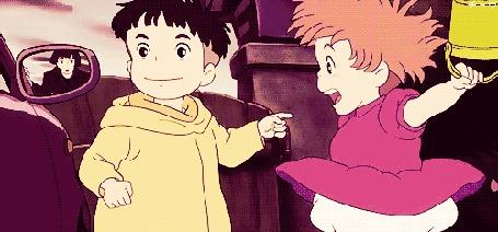 Анимация Девочка обрадовалась мальчику, прыгнув ему на руки