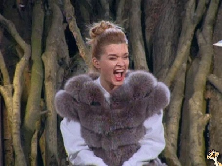 Анимация Девушка в меховом жилете смеется, Известная телеведущая Ксения Бородина