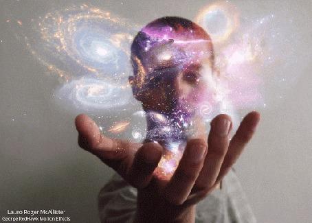 Анимация Вселенные в руках мужчины, автор Lauro Roger McAllister