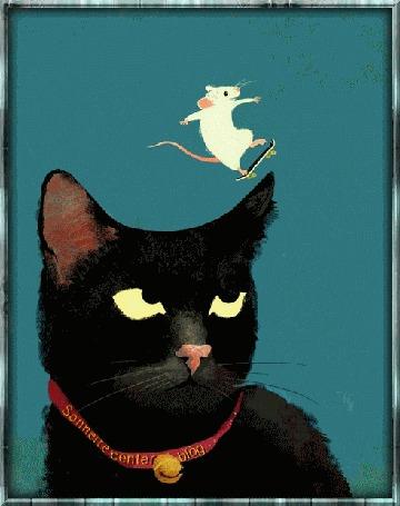 Анимация Белая мышь, стоя на скейтборде, катается на голове кошки