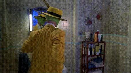 Анимация Актер Джим Керри / Jim Carrey выворачивает карман и оттуда вылетает бабочка (фильм Маска)