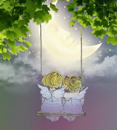 Анимация Дети-ангелочки качаются на качелях, на фоне облачного ночного неба, в котором спит месяц