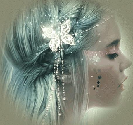 Анимация Девушка со сверкающей бабочкой в волосах