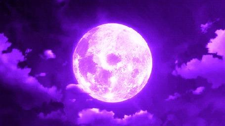 Гиф анимация Фиолетовая луна в облачном небе