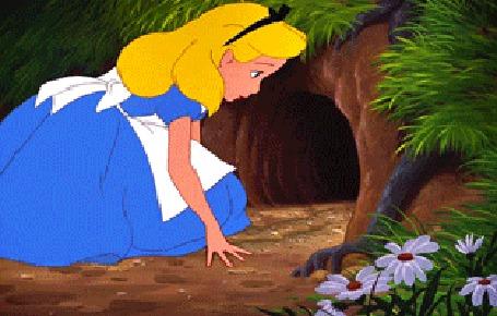 Анимация Алиса с котенком заглядывает в нору, кадры из мультфильма Алиса в Стране чудес / Alice in Wonderland