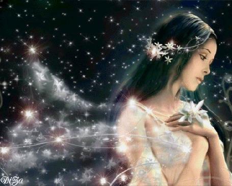 Анимация Грустная фея приложила руки с белыми цветами к груди, на фоне звездного неба