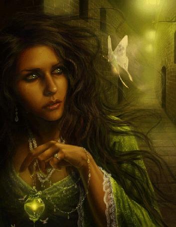 Анимация Ведьма со слезами на глазах, держа светящуюся лампочку на цепочке, идет по проулку между старинных каменных домов в ночи и смотрит на порхающую возле нее бабочку с узором в виде черепов на крыльях
