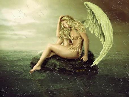 Анимация Грустный ангел сидит на камне в океане, вокруг буря с дождем и молниями