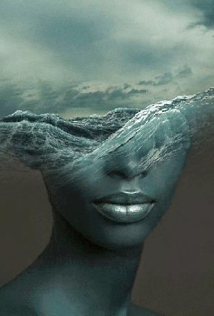 Анимация Девушка с бушующем морем на голове