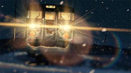 Анимация Фонари поезда освещают дорогу, падает снег из аниме Пять сантиметров в секунду / Byousoku 5 Centimeter