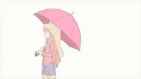 Анимация Тайга Айсака / Taiga Aisaka из аниме ТораДора! / Toradora! оборачивается и видит, что кот трется об ее сапоги