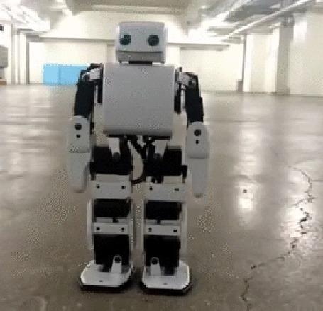 Анимация Идут испытания робота - футболиста