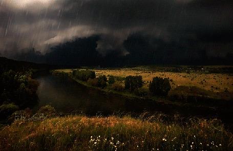 Анимация Дождь и молния на небе с грозовыми тучами