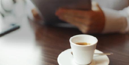 Анимация Дым выходит из кружки с кофе