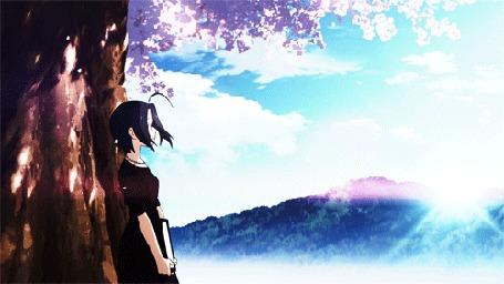 Анимация Адзуса Миура / Azusa Miura стоит у дерева, персонаж из аниме Идолмастер / The iDOLM@STER