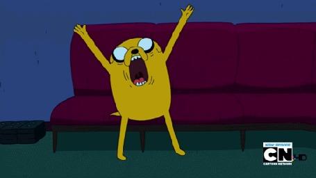 Анимация Джейк бьется в истерике, а потом быстро убегает, мультсериал Adventure Time / Время Приключений