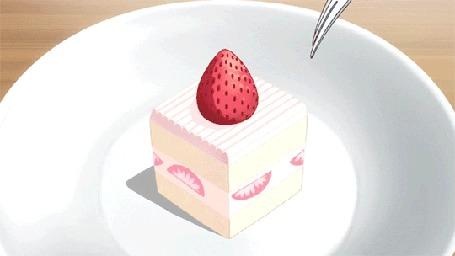 Анимация Кусочек торта надрезают вилкой и накалывают