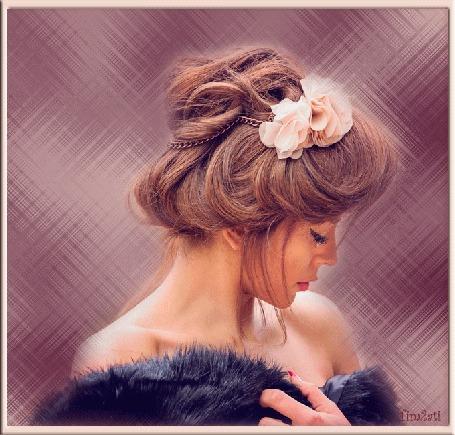 Анимация Плачущая девушка с цветком в волосах