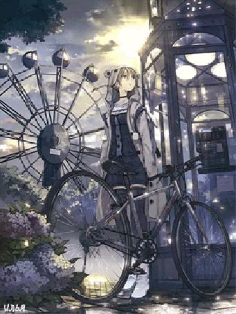 Анимация Девочка с велосипедом стоит возле телефонной будки где-то в парке, на фоне видно колесо обозрения, ярко светит солнце из-за облаков