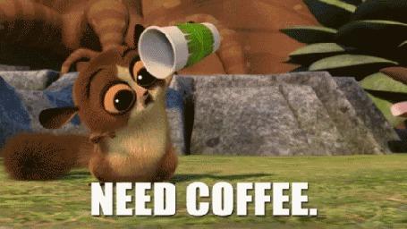 Анимация Лемур Морт из мультфильма Мадагаскар грустно смотрит в пустой стаканчик из-под кофе (Need coffee / Мне нужен кофе)