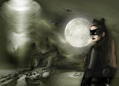Анимация Девушка-кошка стоит у горного озера, в туманом небе над которым видна странная воронка, сверкает полная луна и порхают две летучие мышки