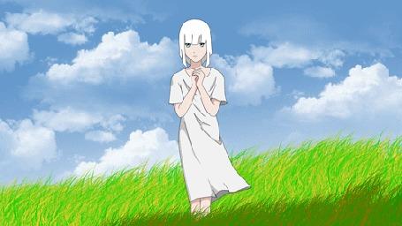 Анимация Белокурая девушка сложила руки перед собой стоя в траве на фоне голубого неба с белыми облаками, by Bhirawa2468