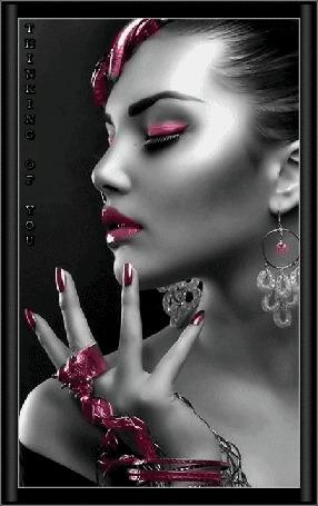 Анимация Гламурная девушка с закрытыми глазами с украшением на руке (thinking of you / думаю о тебе)