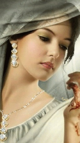 Анимация Красивая восточная девушка с опущенными глазами с украшениями и с тату на руке (Naza)
