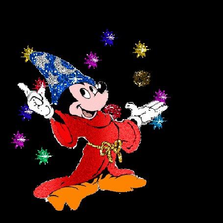 Анимация Микки Маус в колпаке фокусника зажигает фейерверки