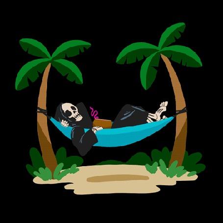 Анимация Скелет с коктейлем покачивается в гамаке, привязанном к пальмам