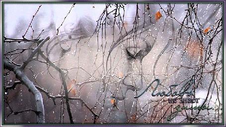 Анимация Грустная девушка стоит у окна под дождем и снегом (Любовь не знает зимы)
