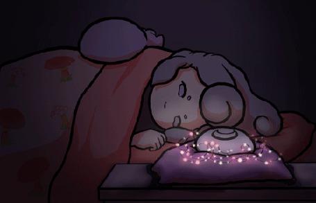 Анимация Девочка лежит на постели с кошкой на ней и моргает