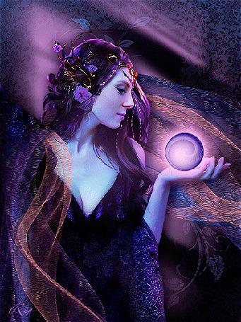 Анимация Девушка-фея с украшением на голове и светящимся шаром на ладони, by Ren