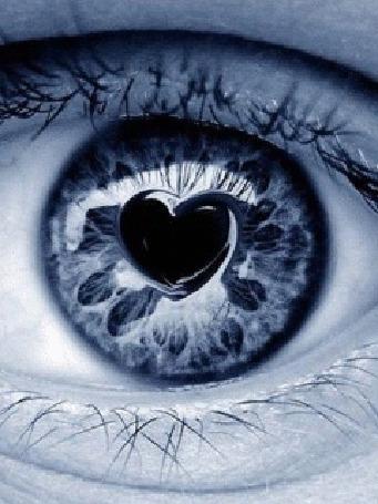 Анимация Голубой глаз с черным сердечком