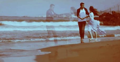 Анимация Парень с девушкой на побережье