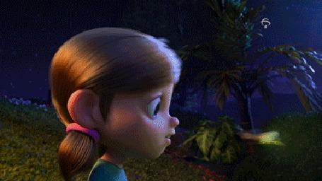Анимация К девочке подлетает светлячок, фрагмент рекламного ролика Bradesco