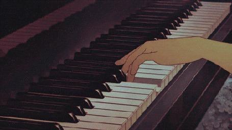 Конкурсная работа Руки играют на пианино
