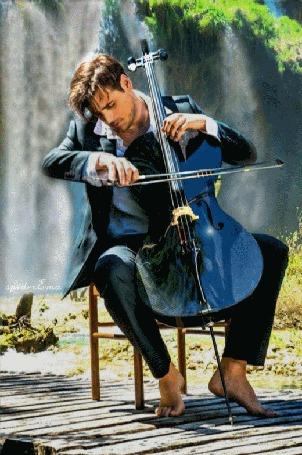Анимация Парень играет на виолончели