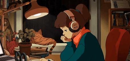 Анимация Девушка в наушниках сидит за столом, а на окне, за которым идет дождь, лежит рыжая кошка и виляет хвостом