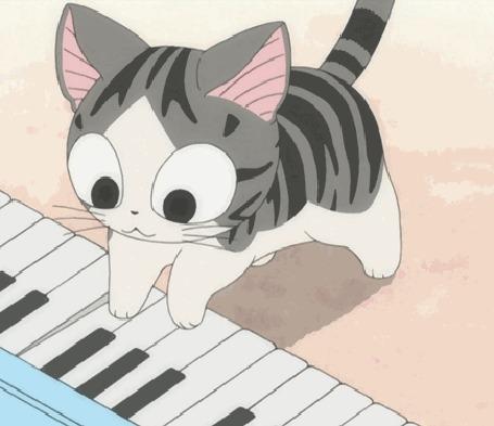 Анимация Кошечка Чии / Chi из аниме Милый дом Чии / Chis Sweet Home играет на синтезаторе