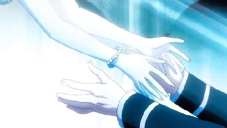 Анимация Влюбленные протягивают руки друг к другк и целуются