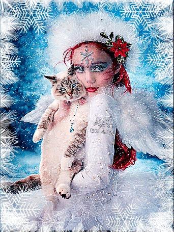 Анимация Рыжеволосая девушка-ангел держит в руках серого кота на фоне снежинок, by Твой Ангел, исходние от Esther Puche