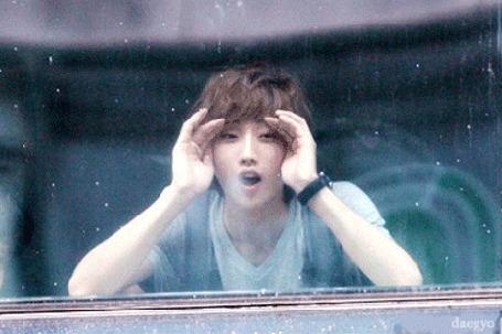 Анимация Южнокорейский певец Jinyoung за окном, by daegyo