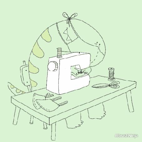 Анимация Динозаврик в маске что-то вышивает